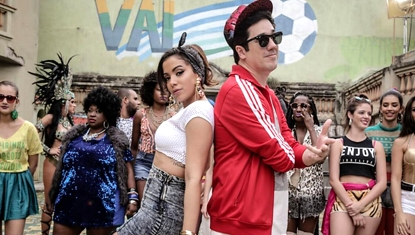 Jota Quest ft. Anitta, Nile Rodgers